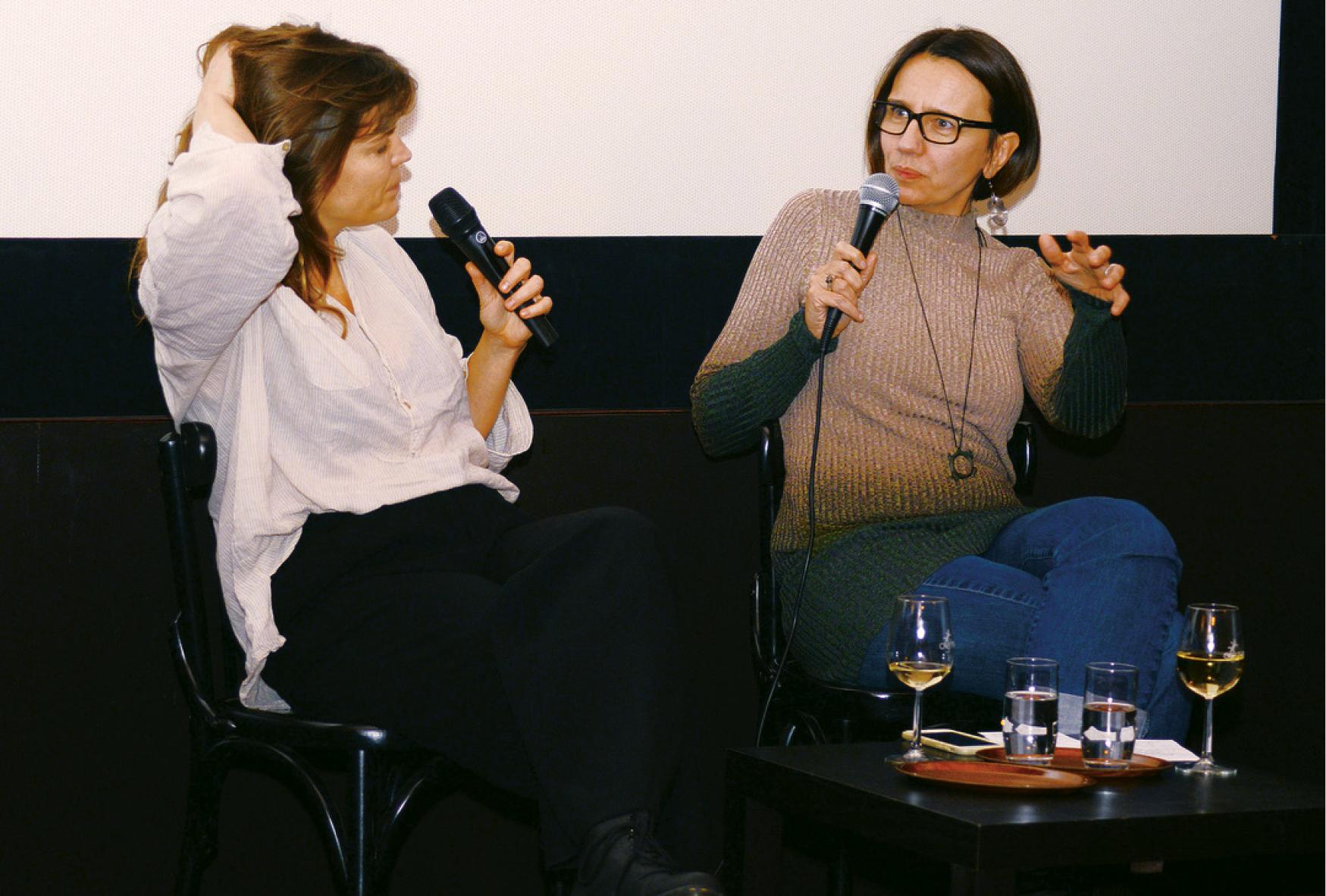 Drehbuchautorinnen Sandra Bohle und Kathrin Resetarits bei einem Podiumsgespräch zum Drehbuch von Licht. (c) Drehbuchforum