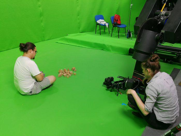 Animationskünstlerin Eni Brandner am Set von Pantopos