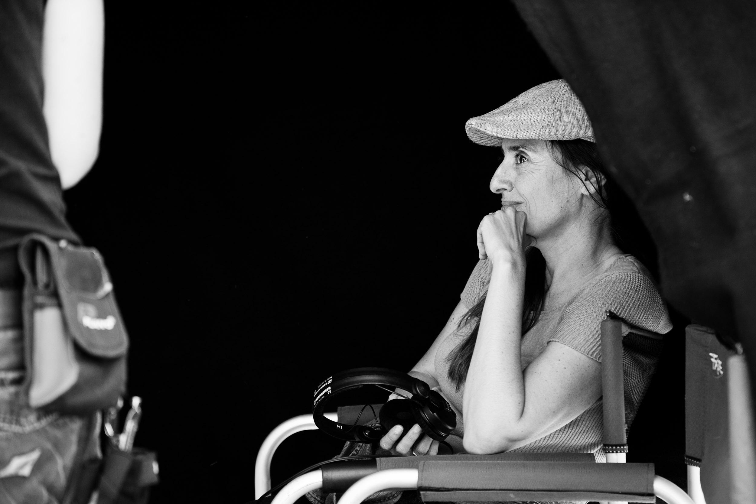 Produzentin Gabriele Kranzelbinder am Set von Maikäfer flieg © KGP Film / Oliver Oppitz