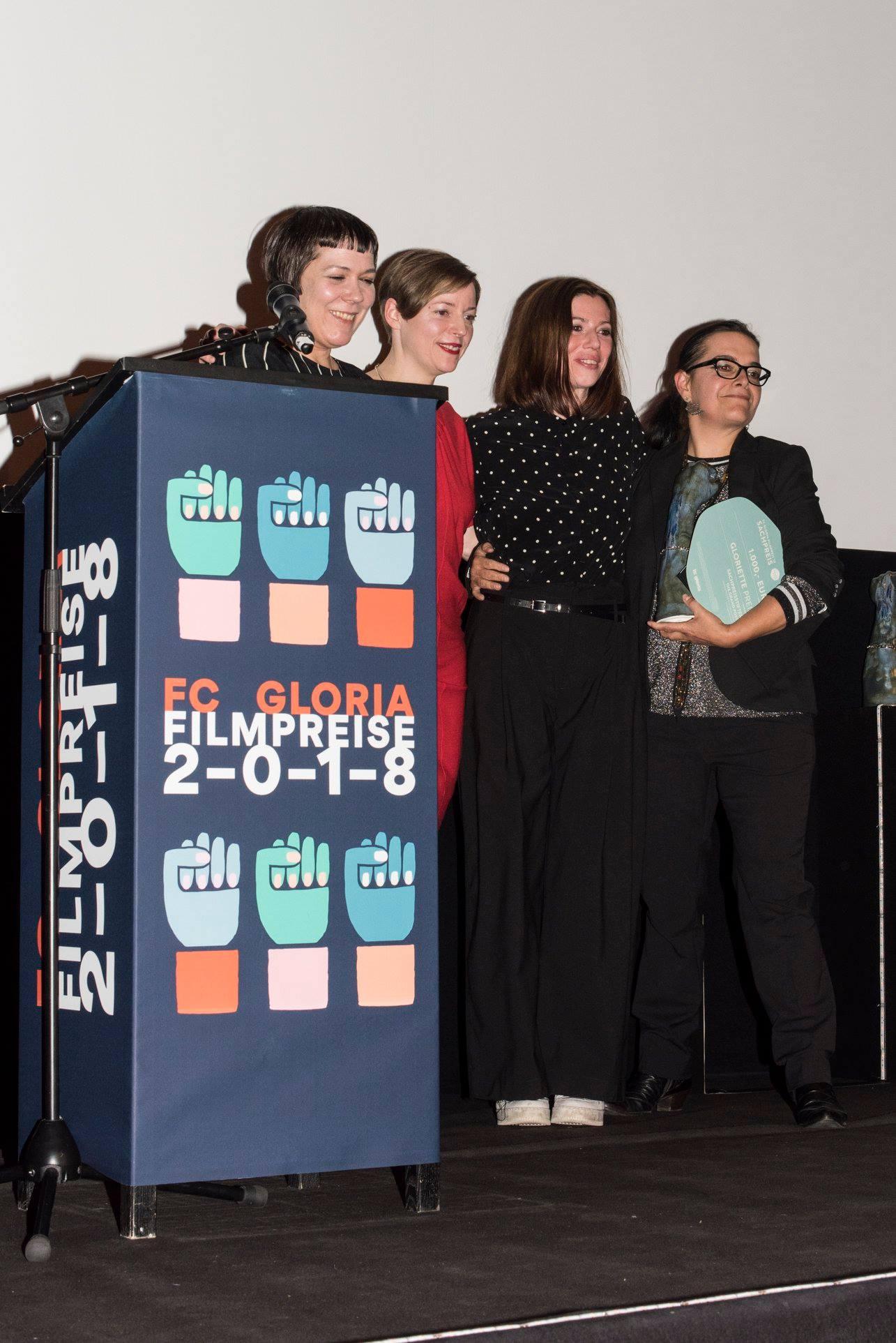 Christa Benzer und Claudia Slanar (Jury), Eva Jantschisch (Laudatio) mit Sabine Marten