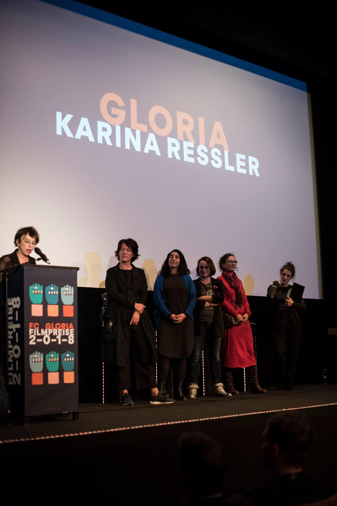 Karina Ressler mit Jurymitgliedern Salma Abdalla, Ingrid Leibezeder, Julia Pühringer und Elisabeth Scharang, Sophie Stockinger (Laudatio)