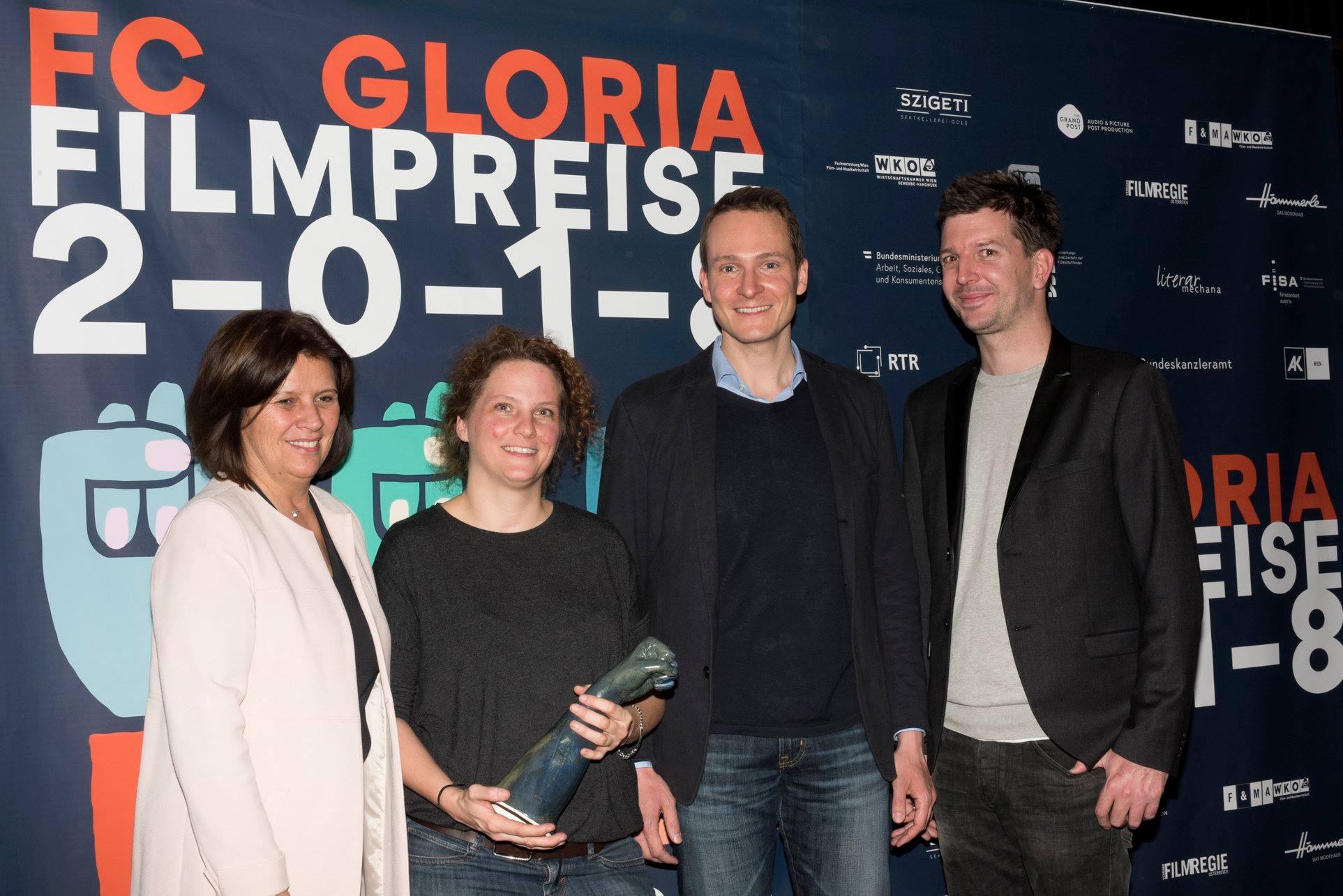 Preisstifter*innen: Renate Anderl (Arbeiterkammer) und Marco Zinz und Alexander Fischbacher (The Grand Post) mit Caroline Bobek