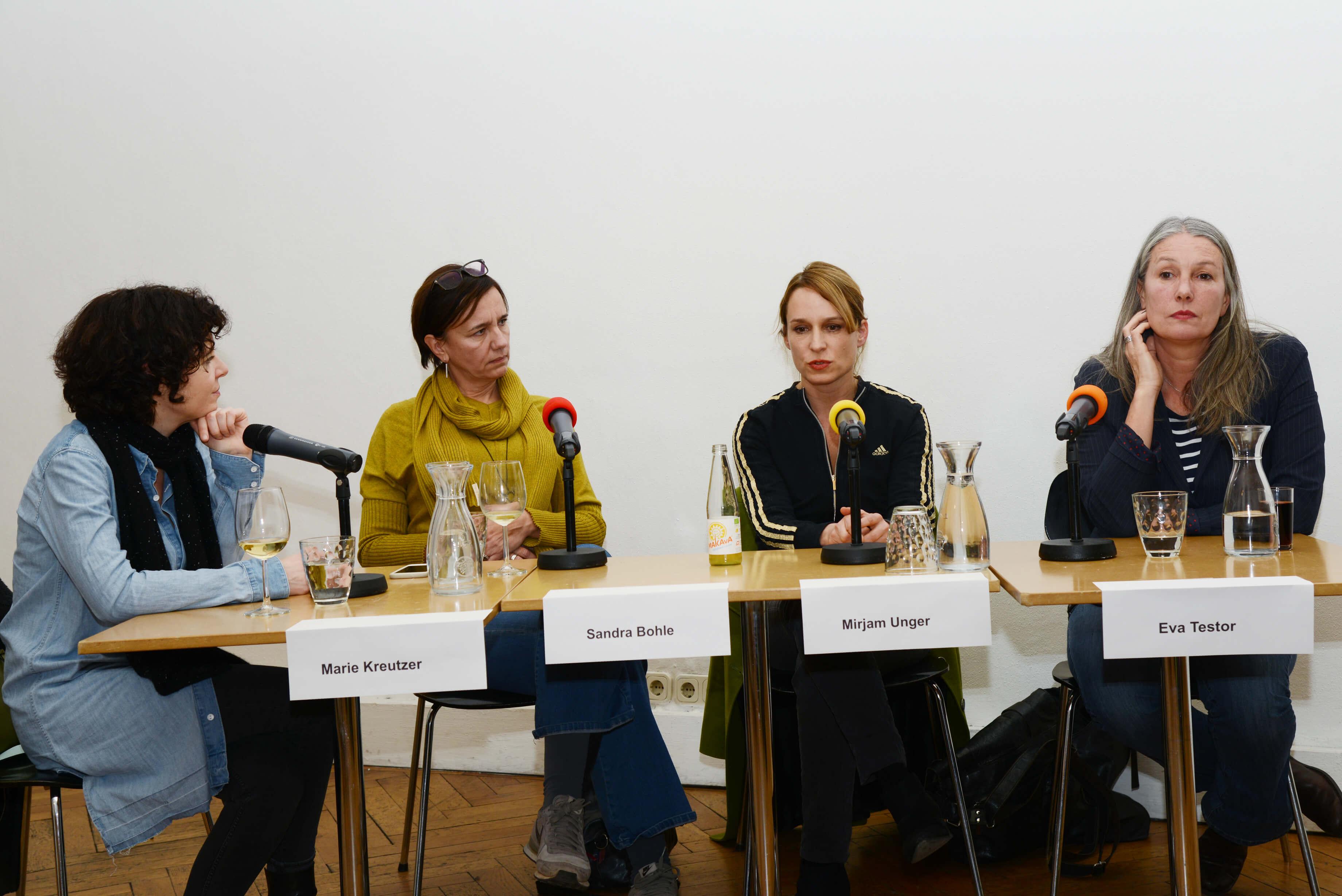 Diskussionssalon Maikäfer flieg_1